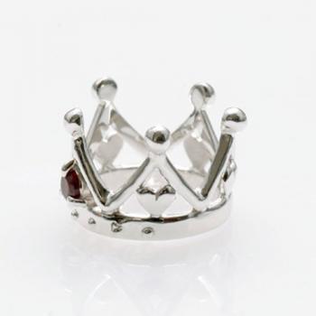 王冠の中に可愛いハートがちょこん!誕生石のクラウンハートネックレス